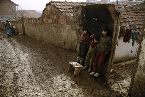 fred bourcier photographe reportage kosovo enfants pristina