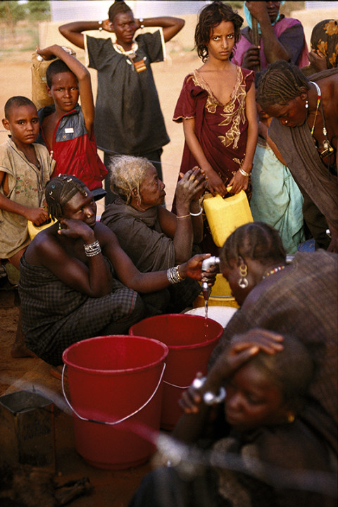 fred bourcier photographe reportage mauritanie camp de refugies distribution eau potable