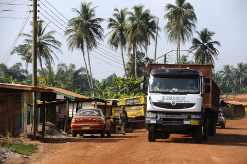 fred bourcier photographe reportage renault trucks ghana transport cacao 02