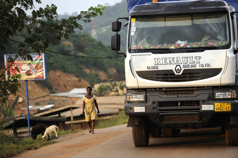 fred bourcier photographe reportage renault trucks ghana transport cacao 03