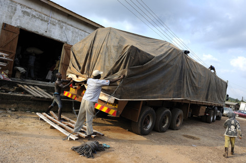 fred bourcier photographe reportage renault trucks ghana transport cacao 17