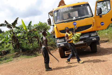 fred bourcier photographe reportage renault trucks ghana transport grumes bois 08