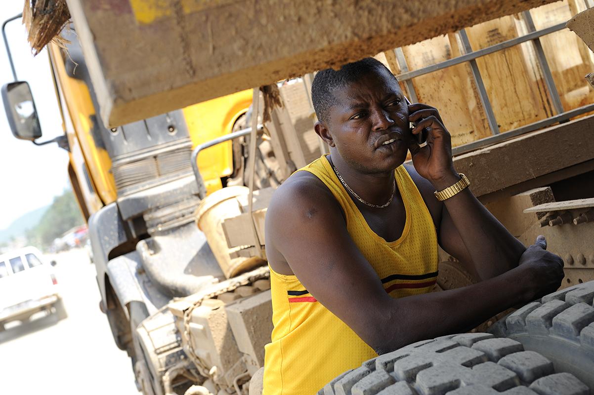 photographe reportage renault trucks ghana transport grumes bois 12 ~ Transport Grumes Bois