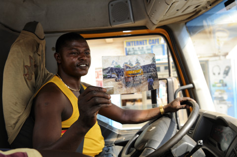 fred bourcier photographe reportage renault trucks ghana transport grumes bois 14
