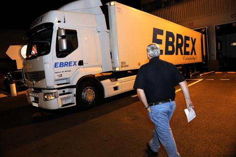 fred bourcier photographe reportage renault trucks livraison transport frigorifique marche rungis 02
