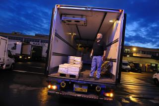fred bourcier photographe reportage renault trucks livraison transport frigorifique marche rungis 05
