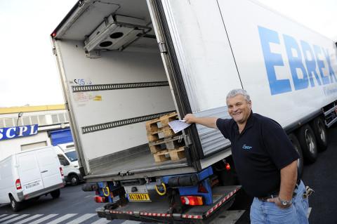 fred bourcier photographe reportage renault trucks livraison transport frigorifique marche rungis 09