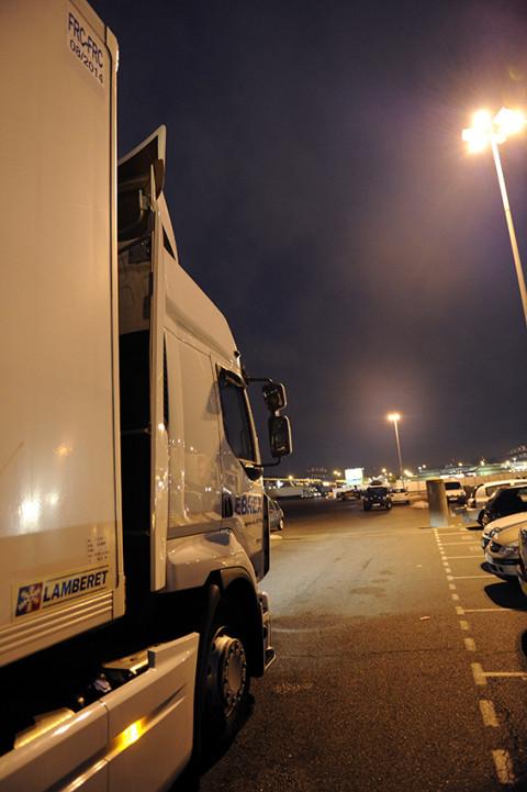 arrivée d'un camion au marché de Rungis reportage photo fred bourcier