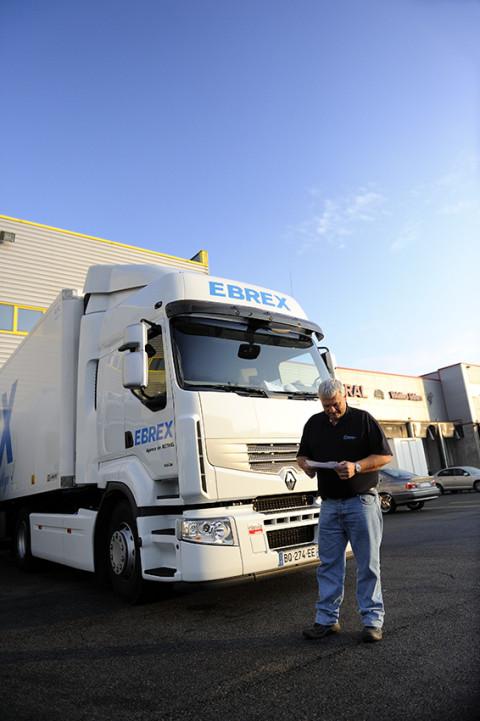 reportage photo fred bourcier pour renault trucks chauffeurs messagerie livraison marche de Rungis