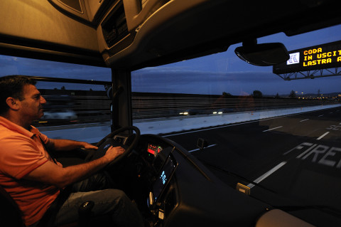 fred bourcier photographe reportage renault trucks longue distance transport distance italie 08