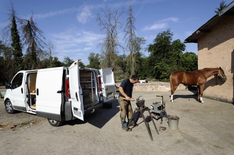 fred bourcier photographe reportage renault trucks marechal ferrant itinerant 01