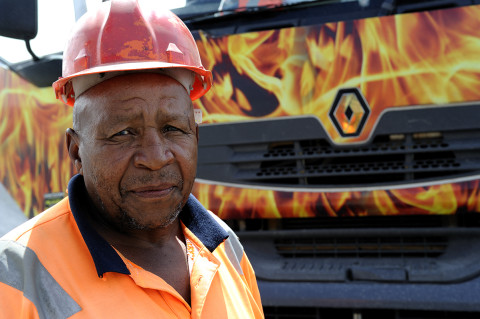 fred bourcier photographe reportage renault trucks transport bennes graviers south Africa 04