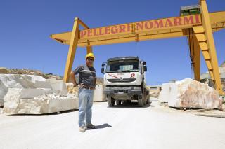 fred bourcier photographe reportage renault trucks transport marbre sicile 01