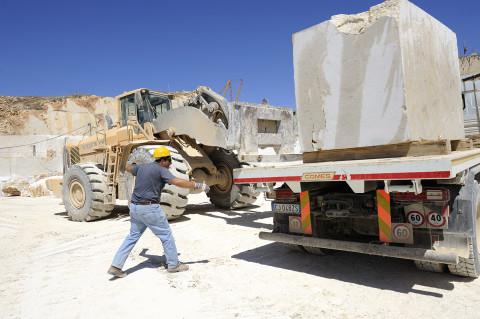 fred bourcier photographe reportage renault trucks transport marbre sicile 07