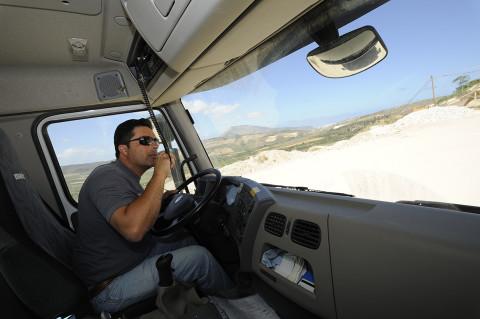 fred bourcier photographe reportage renault trucks transport marbre sicile 09