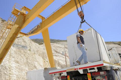 fred bourcier photographe reportage renault trucks transport marbre sicile 10