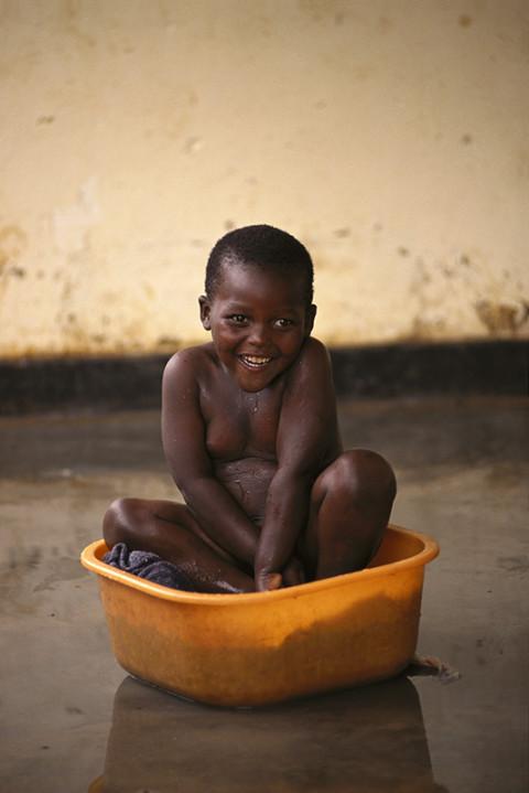 fred bourcier photographe reportage rwanda prisons centre enfants orphelins 04