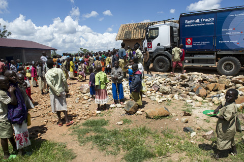 fred bourcier photographe reportage wfp renault trucks burundi 05