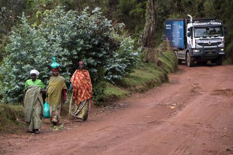 fred bourcier photographe reportage wfp renault trucks burundi 07