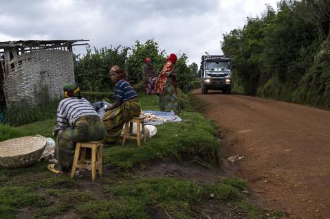 fred bourcier photographe reportage wfp renault trucks burundi 08