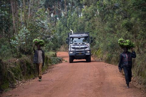 fred bourcier photographe reportage wfp renault trucks burundi 09