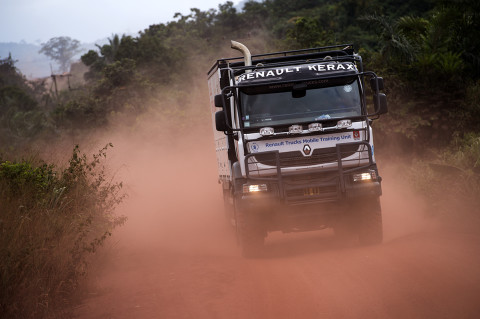 fred bourcier photographe reportage wfp renault trucks ghana 08