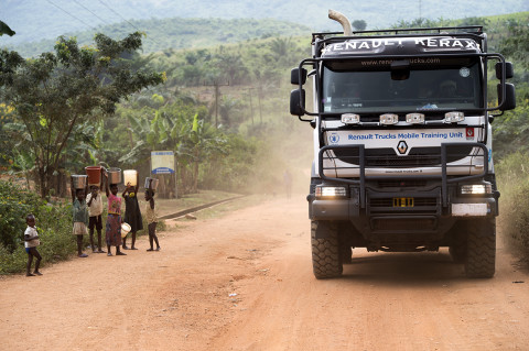 fred bourcier photographe reportage wfp renault trucks ghana 20