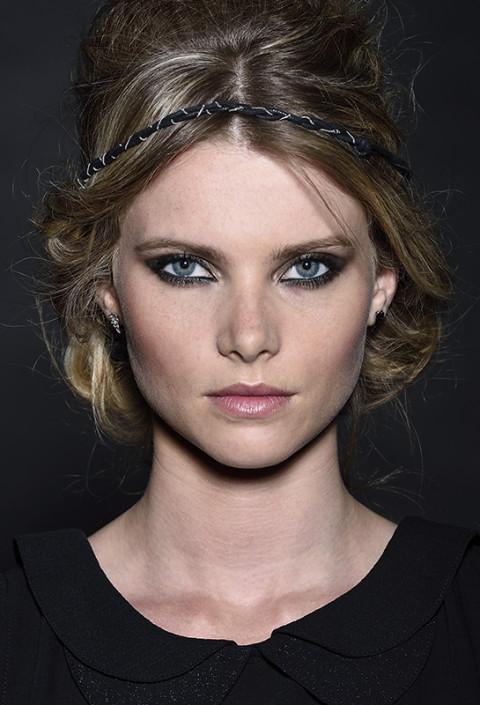 portrait beauté femme pour catalogue maty bijoux photographe fred bourcier studio photo lyon