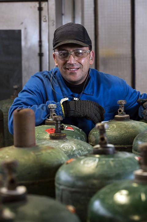 portrait ouvrier site industriel gazier bouteille primagaz complexe industriel reportage fred bourcier