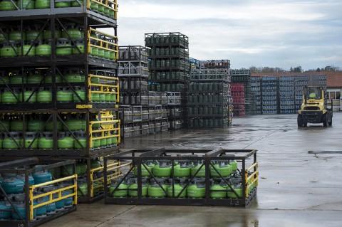 reportage photo fred bourcier ite industrie gaz stockage cubes et bouteilles primagaz France