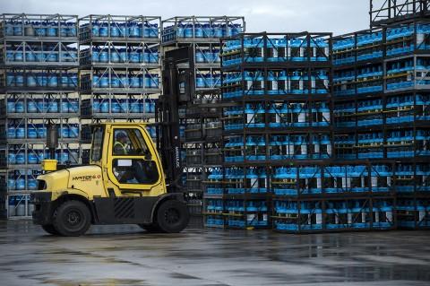 photo site industriel stockage bouteilles et cubes de gaz primagaz france reportage photographique fred bourcier