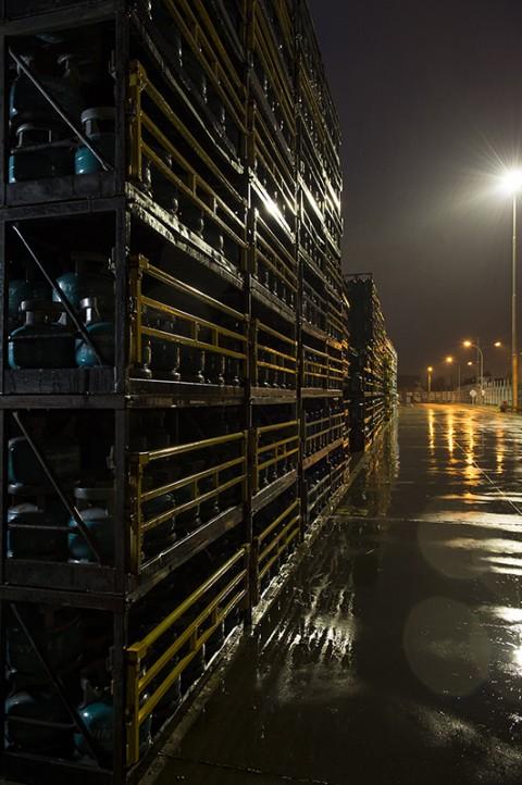 reportage photo fred bourcier stockage bouteilles et cube gaz primagaz site industrie gazier